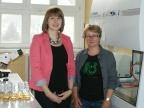 Magdalena Pacwa-Płociniczak wraz z promotorką rozprawy doktorskiej prof. dr hab. Zofią Piotrowską-Seget w laboratorium