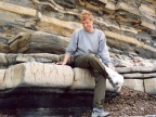 Pogranicze triasu i jury w klifie południowo-zachodniej Anglii (Zatoka St. Audrie) – zapis jednego z największych wymierań w historii biosfery. Fot. Maria Racka