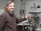 Prof. dr hab. Jacek Szade, kierownik Zakładu Fizyki Ciała Stałego w Instytucie Fizyki UŚ. Fot. Agnieszka Sikora