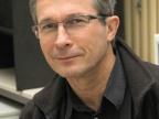 Dr Jerzy Jarosz jest zastępcą dyrektora Centrum Kształcenia Ustawicznego U UŚ ds. Uniwersytetu Śląskiego Dzieci