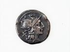 Moneta rzymska. Fot. Małgorzata Kłoskowicz