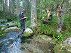 Zespół FLORIST-a podczas badań dendrogeomorfologicznych nad Rybim Potokiem w Tatrach Wysokich. Fot. Ryszard J. Kaczka