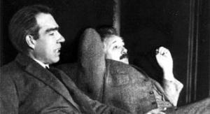 Niels Bohr toczył z Albertem Einsteinem zażarte dysputy na temat wyższości dualizmu korpuskularno-falowego oraz zasady nieoznaczoności nad koncepcjami klasycznej mechaniki. W sporach tych Bohra wspierał Max Planck. Fot. pixabay.com