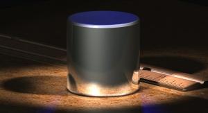Międzynarodowy Wzorzec Kilograma - obraz generowany komputerowo na podstawie opisu własności fizycznych. By en:User:Greg L - Originally uploaded to English Wikipedia as CGKilogram.jpg, CC BY-SA 3.0, https://commons.wikimedia.org/w/index.php?curid=2547913