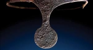 """Diadem znaleziony w grobowcu na głowie kobiety. Źródło: """"Antiquity"""""""