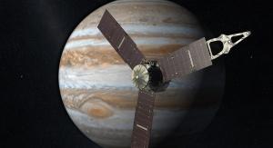 Sonda Juno na orbicie wokół Jowisza (wizja artystyczna). Fot. NASA/JPL