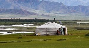 Jurta to mongolska budowla mieszkalna. W czasie dzudu pasterze wprowadzają do środka swoje zwierzęta, aby choć trochę je ogrzać. Fot. pixabay.com