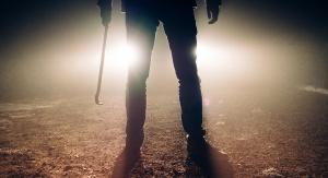 Morderca z łomem w ręku. Fot. Pixabay