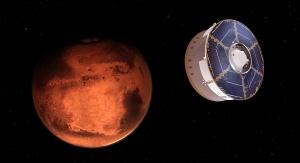 Ilustracja przedstawiająca zbliżanie się statku kosmicznego z łazikiem Perseverance na pokładzie do Marsa | Credits: NASA/JPL-Caltech