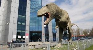 Replika tyranozaura przed Instytutem Nauk o Ziemi Uniwersytetu Śląskiego