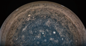 Burzowa pogoda na Jowiszu. Image Credit: NASA/JPL-Caltech/SwRI/MSSS/John Landino