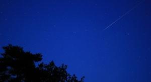 """Fotografia """"spadającej gwiazdy"""". Kometa C/2017 U1 nie jest widoczna gołym okiem. Źródło: domena publiczna"""