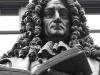Pomnik Leibniza w Lipsku. Źródło: https://www.frontiere.eu/
