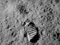 Ślad buta odciśnięty przez człowieka na powierzchni Księżyca. Fot. NASA / Buzz Aldrin