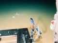 Śmieci znalezione na dnie Rowu Mariańskiego na głębokości 10898 metrów. Źródło: Deep-sea Debris Database