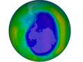 Braki w warstwie ozonowej 21 września 2015 roku. Źródło: NASA
